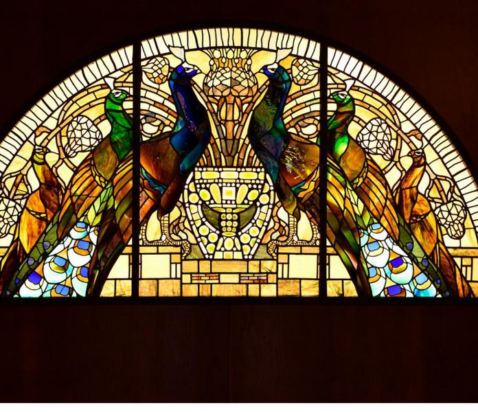 vetrata dei pavoni casina delle civette