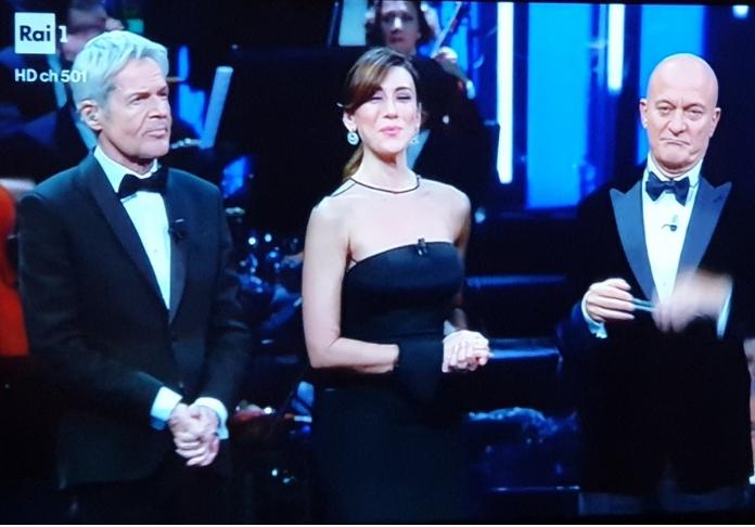 Virginia Raffaele e i 2 Claudio (Baglioni e Bisio) frame da tv di Emanuela Dottorini