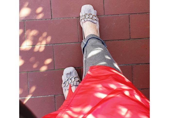 il mio trench color corallo scarpe