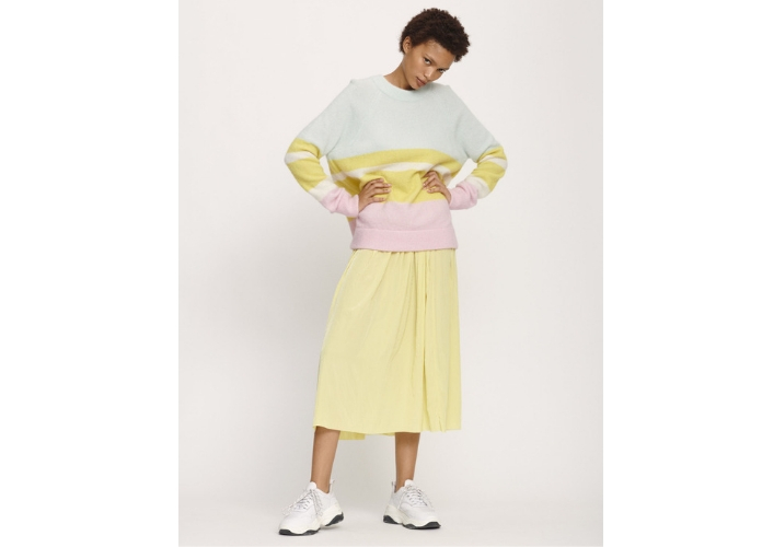 moda scandinava Samsoe e Samsoe completo giallo