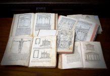 Volumi del De Architectura di Vitruvio nella mostra Tracing Vitruvio Ph. Alberto Sereni