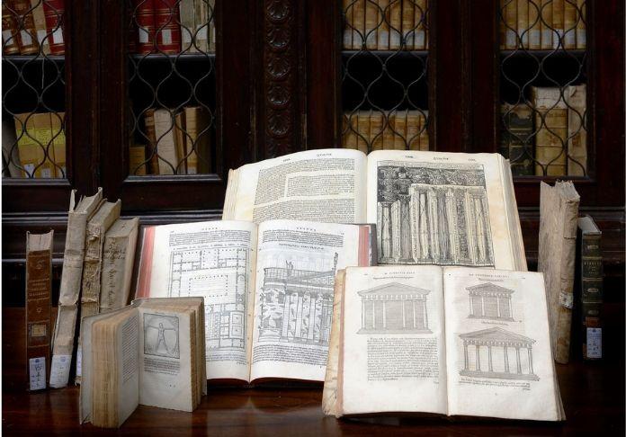 Mostra Tracing Vitruvio. Volumi del de Architectura di Vitruvio ph. Alberto Sereni