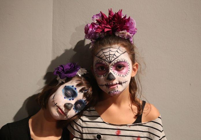 Nella nostra cultura abbiamo importato Halloween con feste e mascheramenti