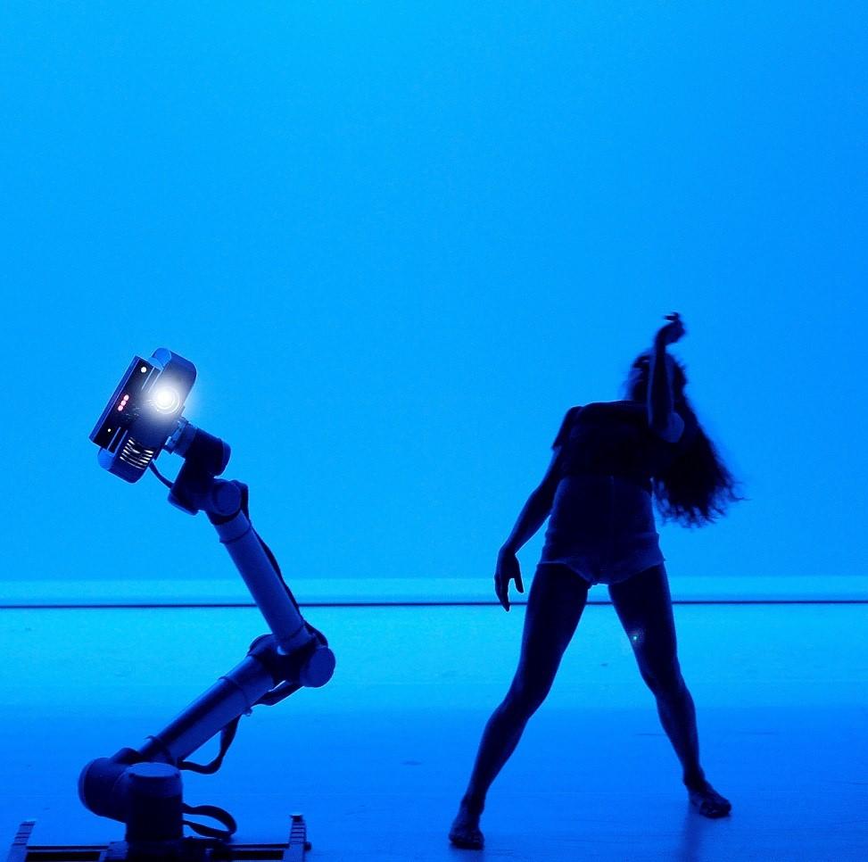 Hu_robot al teatro vascello il futuro è già qui