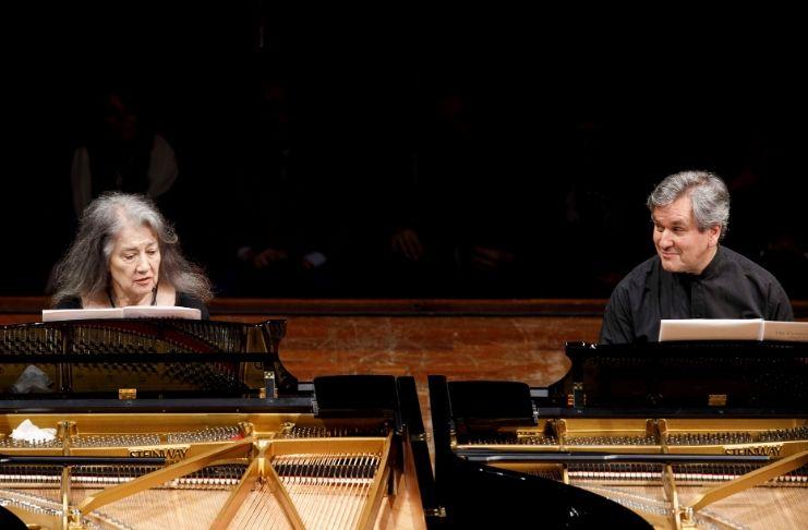 Martha argerich e Antonio Pappano al pianoforte