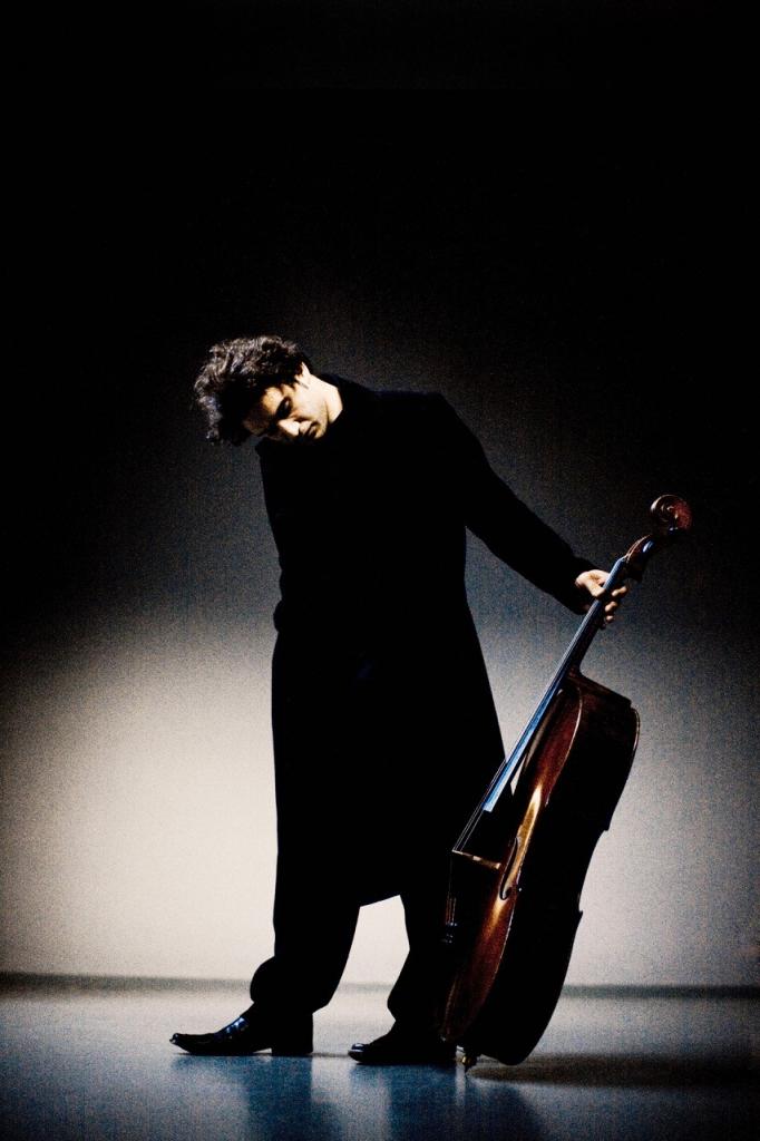 Il violoncellista Nicola Alstaedt suonerà alla IUC il 23 novembre con Fazil Say
