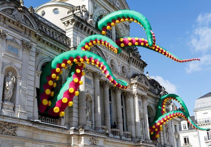 Tentacles-di-FILTHY-LUKER-PEDRO-ESTRELLAS sarà un'installazione emozionante per la festa di Roma Capodanno 2020
