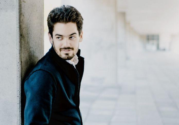 Lahav Shani debutta a Santa Cecilia sul podio per i 250 anni dalla nascita di Beethoven