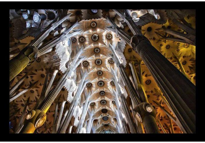 MIRESI 4.Sagrada Familia, esplosione nella Cattedrale, 2019, foto su Alu-Dibond, 120 x 180 cmSguardi e Architetture