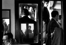 In vaporetto, Venezia 1960 © Gianni Berengo Gardin - Courtesy Fondazione Forma