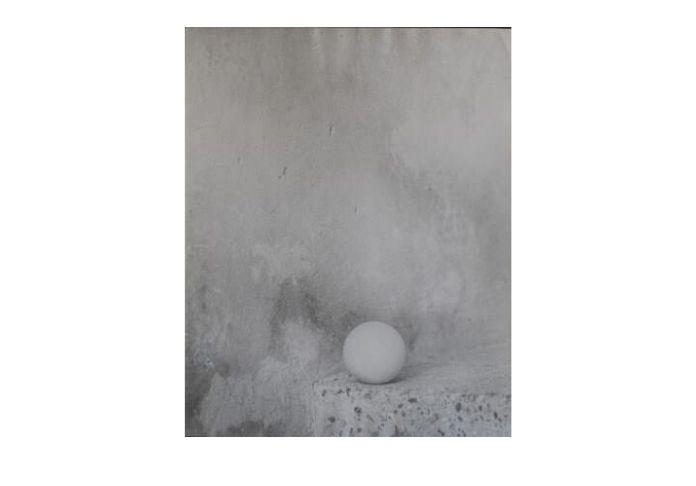 La pallina foto di Luigi Cavalli in mostra a Torino Forma/Informe