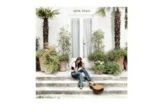 Carla Bruni esce con il nuovo e omonimo singolo Carla Bruni