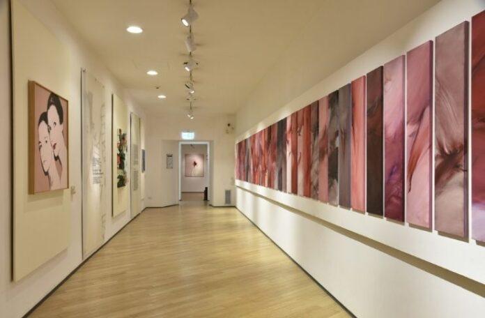 La prospettiva del polittico nella mostra Cruor di Renata Rampazzi al Museo Bilotti