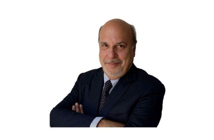 Alan friedman è protagonista della conversazioni in San Francesco a Lucca sull'America al voto e L'Economia del futuro