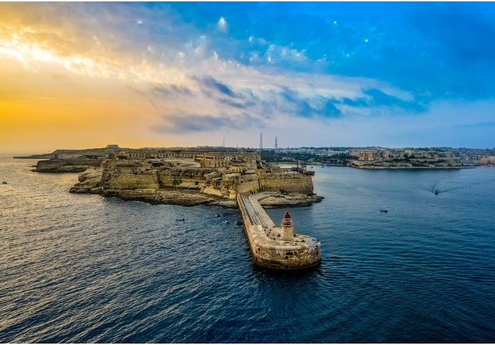 Malta protagonista in Terre sospese di Elizabeth Grech