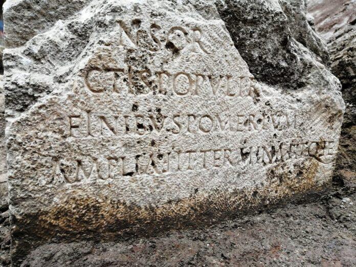 cippo dell'epoca di Claudio ritrovato a Roma